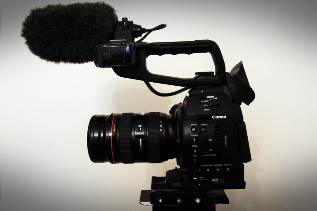 Zacuto Z-Finder Eyecup on Canon C100 viewfinder